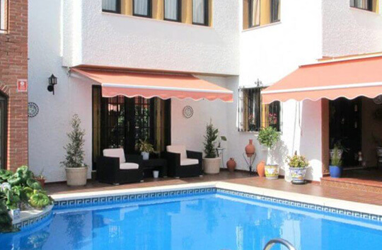 Casa en Fuengirola cerca de la playa con piscina